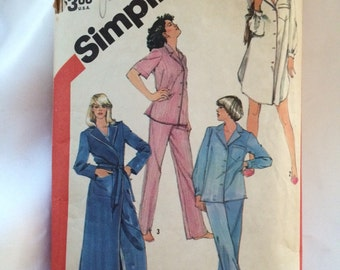 Simplicity Pattern 5786 for Pajamas and Robe