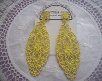 vintage 1980s yellow long drop earings