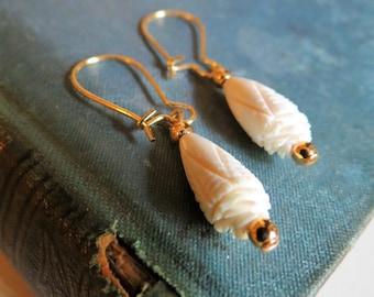 Bella Dangles....Vintage Flower Bone Bead Dangle Earrings