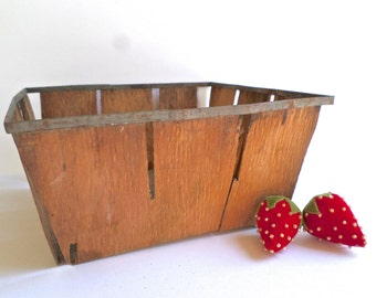 Lot of 6 Vintage Wood Berry Baskets, Large Fruit Basket with Metal Trim, Rustic Craft Storage
