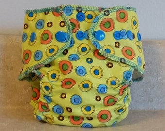 Fitted Preemie Newborn Cloth Diaper- 4 to 9 pounds- Geo Circles- 16013