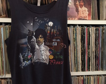 Authentic Prince concert t-shirt from 1985 – Small