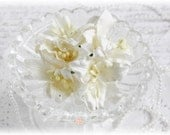 White  Mulberry Lilies Set of 5 for Scrapbooking, Cardmaking, Altered Art, Wedding, Mini Album