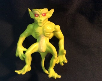 Remco Blackstar Yellow Alien Demon figure loose - 1983