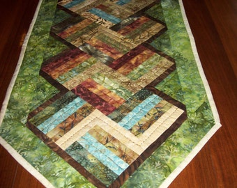 Earth tone colored table runner