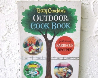 Vintage Cookbook Betty Crocker Outdoor 1961 Small Spiral Bound
