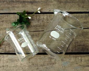 Pair of Pyrex Glass Beakers 100ml 200ml