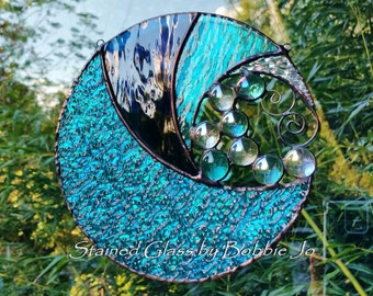 Handmade Round Stained Glass Ocean Wave Suncatcher with glass bubbles