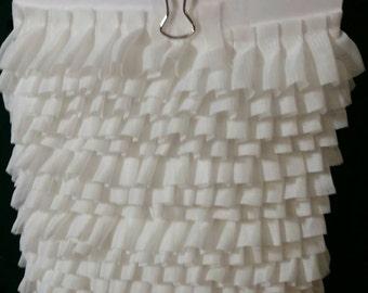 White pleated Trim