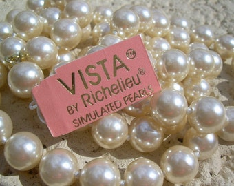 Beautiful Simulated Pearl Necklace and Bracelet set, with original tags, Vista, BY Richelieu