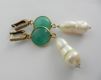 Sparkling  vibrant Sea Green & genuine baroque pearl Earrings set on 800 silver in gold plated --- Art.332/4 -