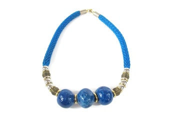 1980s Rope Necklace Blue Beaded Necklace Marble Necklace Vintage Cord Rope Necklace Gold Tone Metal Boho Modern Minimalist Choker E753