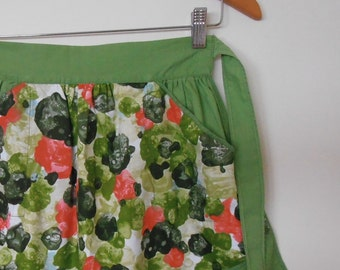 hostess with the mostest...vintage half apron