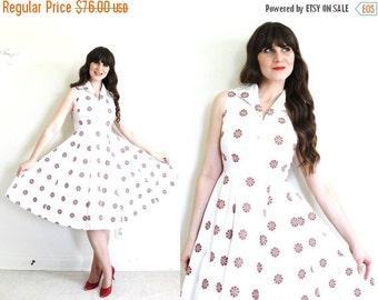 ON SALE 40s Dress / 1940s Dress / 1940s White Floral Full Skirt Dress