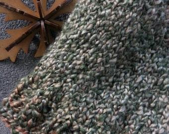 Cozy hat with brim