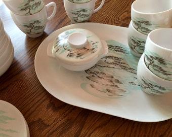 Vintage Holiday House Melmac Dish Set