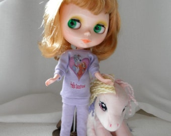 T Shirt or mini dress Dogs for Blythe Stacie Licca Moxie Bratz