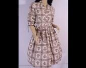 Vintage 1950s Dress 50s Dress Cotton Fleur de Lis Novelty Botanical Print Dress S