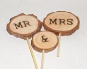 Wedding cake topper ~ Customized Wood cake topper ~ Minimalist cake topper ~ Rustic wood slice mr & mrs ~ Wedding topper wood