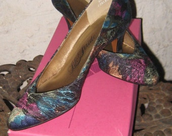 Fabulous Vintage  1960s Floral Life Stride Tapestry Shoes 6.5 B