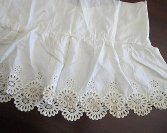 salvaged vintage trim - embroidered edging, scalloped edge, floral lace trim