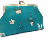 clutch purse - just hanging around  - 6 inch metal frame clutch purse - medium purse- macrame- green - clutch- purse - kiss lock clutch