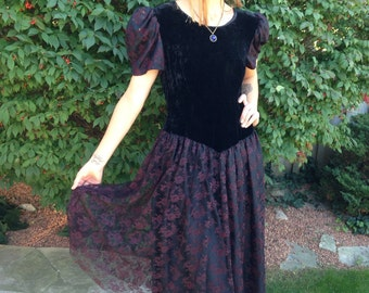 vintage 80s black dress/red lace velvet/ goth witch party wedding size large DESMOND