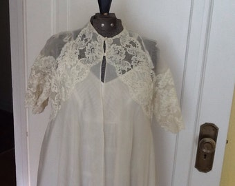 Vintage Duster Robe Ivory Lace Bridal