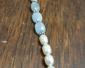 Aquamarine and freashwater pearl bracelet