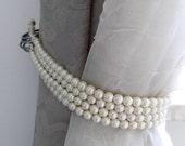 Faux pearls Decorative tie backs, curtain holders, drapery holders