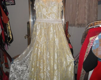 1960s to'80s yellow Strapless Lace Gown, sz S