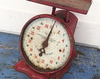 Vintage Red Scale, Red Kitchen Scale, Farmhouse Scale, Rustic Red Scale, Vintage Kitchen, Farmhouse Kitchen, Christmas Scale, Holiday Scale