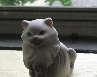 Vintage cat figurine avon