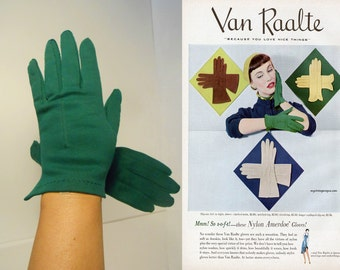 Green Gardens of Delight - Vintage 1950s NOS Green Nylon Just to the Wrist Gloves - 6 1/2