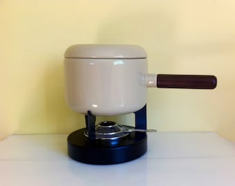 Vintage Fondue Pot, Essentials Model 5073 Almond, Off-White, No Forks, In Box