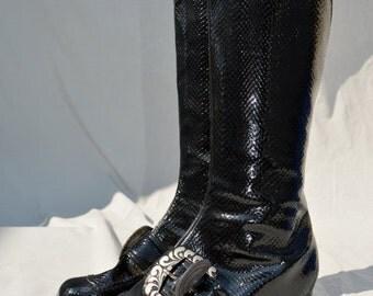 Vintage 60's rainboots Mod GO GO rubber boots faux alligator crocodile skin vegan side buckle size 7 FAB by thekaliman