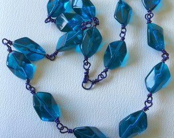 Blue beaded wire necklace