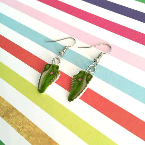 green, running, shoes, jogging, mika illustration, earring,  plastic, pink, stainless hook, handmade, les perles rares