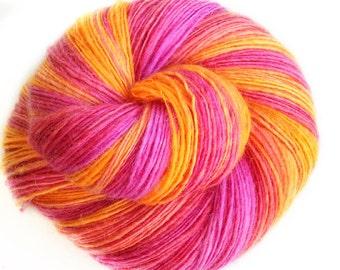 Fire walk with me - NZ corriedale wool  - single thread shawl yarn 101gr 435m