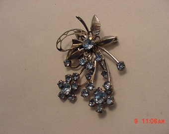Vintage Blue Rhinestone Flower Brooch  16 - 465