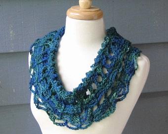 PATTERN C-054 / Crochet Pattern / Ophelia Cowl ... light worsted/DK 122 yards
