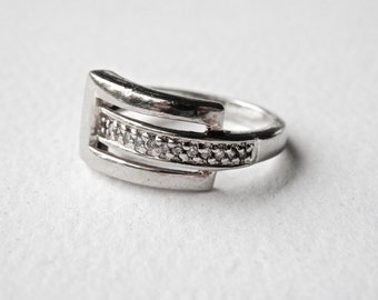Silver Buckle Ring, Vintage Rhinestones, Sterling Silver, 1980s, Size 7 Ring, Moderne, 925