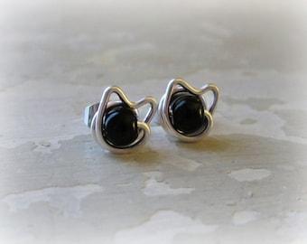 Black Cat Stud Earrings,Sterling Silver Posts, Tiny Cat Posts, Kitty Stud Earrings,Black Onyx Studs,Cat Jewelry, Kitty Cat,Cat Post Earrings
