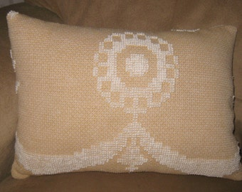 Vintage Chenille Pillow, White on Tan, Rectangle