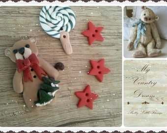 """Handmade Country Buttons """"Christmas Bear"""" - polymer clay buttons."""