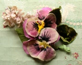 Lovely  vintage velvet cloth pansy pansies vintage millinery flower 1940s dusky pink doll wedding hat cloche bonnet dress 1930