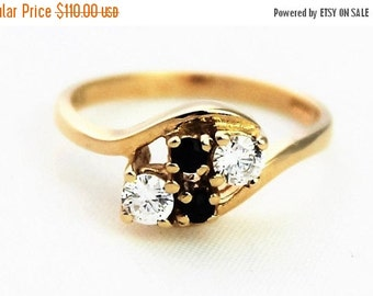 CIJ SALE Vintage Ladies Sapphire Cubic Zirconia Ring Cross Over Yellow Gold 9kt 9ct 375 | FREE Shipping | Size N / 6.75