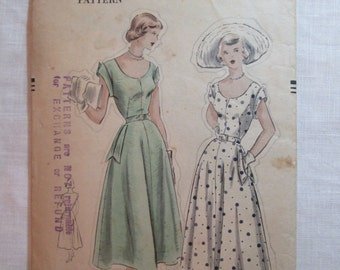 "Antique 1950s Vogue Pattern #3282 - size 30.5"" Bust"