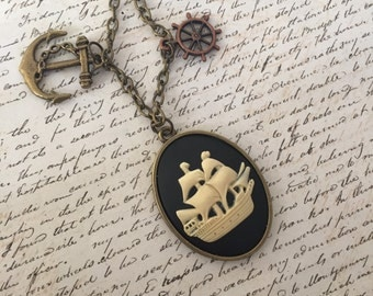 Love Boat - long cameo necklace