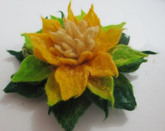 Felted brooch flower